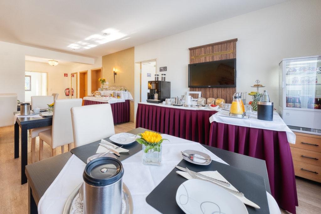 Frühstück-im-Hotel-Ladresse10